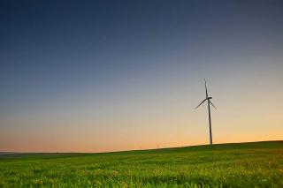 Evening-scenery-with-a-windmill_free_stock_photos_picjumbo_HNCK5165-1080x720